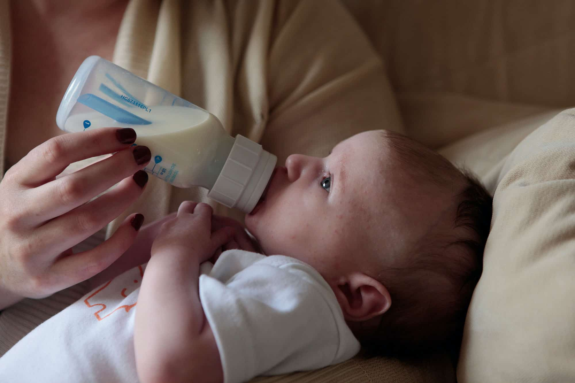 Comment savoir si bébé est intolérant au lait de vache ?